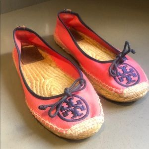 TORY BURCH pink and navy espadrilles